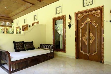 Aditya 1 North Bali Getaway Villa - Tedjakula