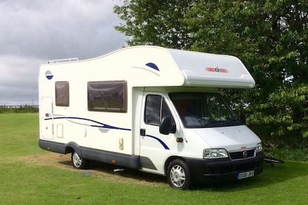 6 berth family motorhome for hire - Hawick - Karavan/RV