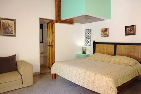 Cabinas la Buena Vida *4 (Studio with Pool View) - Playa Grande - Apartment