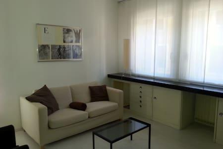 Moderno e luminoso appartamento in centro storico - Malo - Apartamento