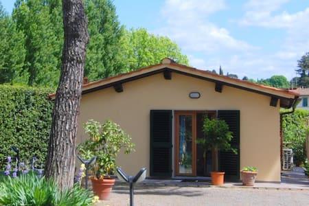 Cottage Michelangelo,verde in città - Florens - Hus