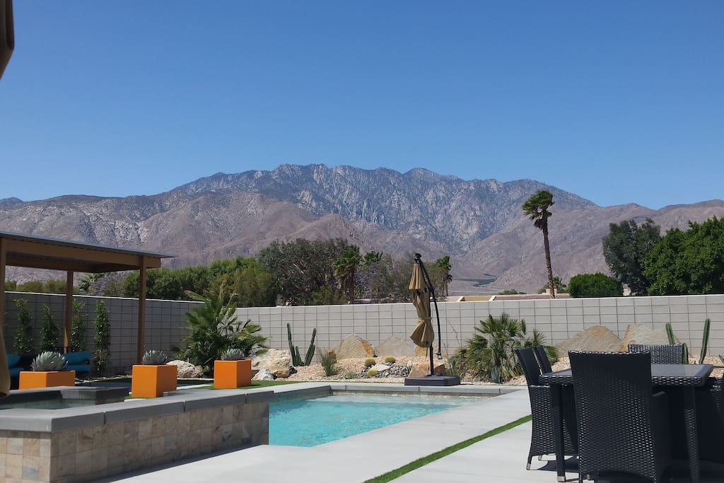 The ultimate palm springs lifestyle houses for rent in for Palm springs homes rentals