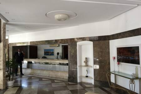 Apartamento em Ondina bem localizado - Salvador - Apartment