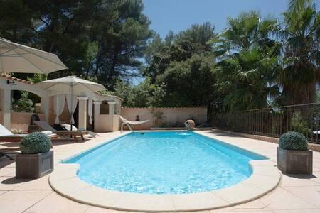 Bel Appart dans villa avec piscine - Ceyreste - Apartment