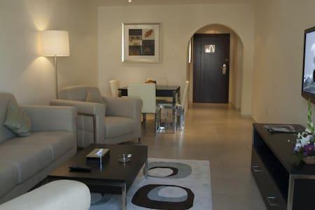 Beautiful 1 Bedroom Apartment in Marina - Appartement
