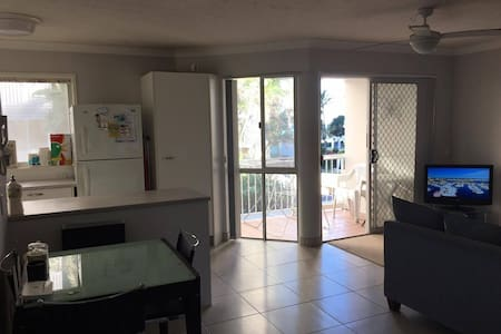 Private Bedroom-double bed 45p/n - Surfers Paradise - Apartment