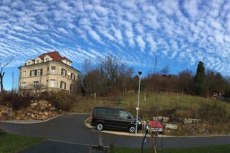 Über den Dächern von Reutlingen - Apartamento