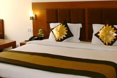 BnB DLF Phase I  (Gurgaon) - Gurgaon - Bed & Breakfast