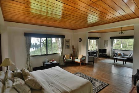 Zongry Suite at the Sourenee Tea Estate | Luxury - Bungalow