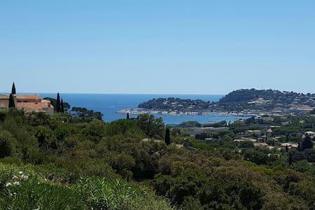 Appartement 40m2 avec vue sur mer - Cavalaire-sur-Mer - Appartement