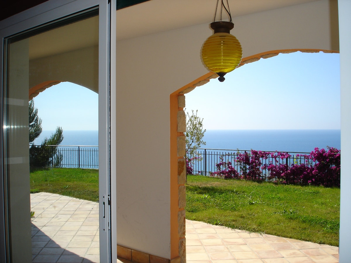 Affittare una casa a Ventimiglia sulla spiaggia per 2 settimane