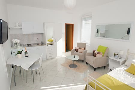 urban studio - Zadar - Apartment