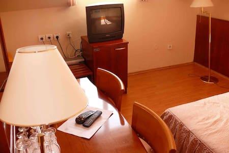 Villa Koruna Double Room 3 - Aamiaismajoitus