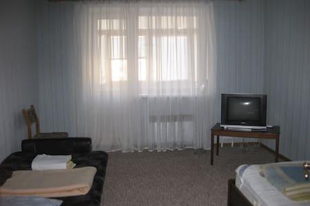 2-комнатная на Гойди  - Lägenhet
