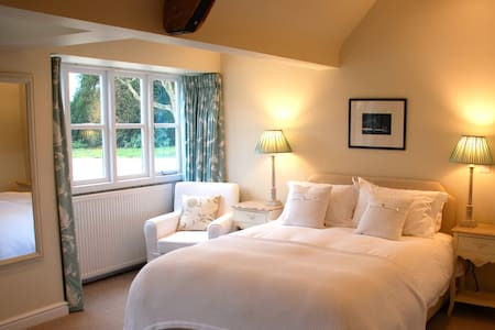 B&B in Beautiful Cotswold Annex - Bed & Breakfast