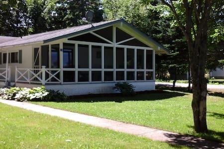 Joli Cottage - Kisház