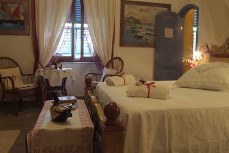 Camera matrimoniale Superior - La Maddalena - Bed & Breakfast