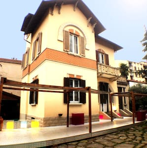 liberty villa nearby train station - Tradate - Bed & Breakfast