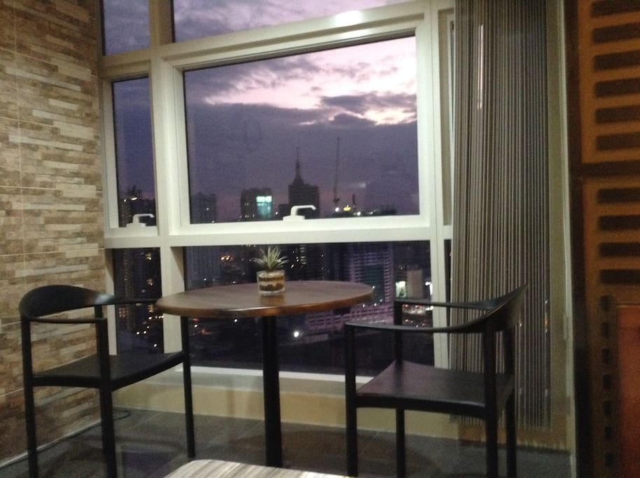Perfect city view at the Coffee corner. My favorite spot...