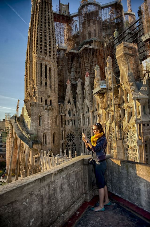 Sagrada Familia 2 steps away!! room