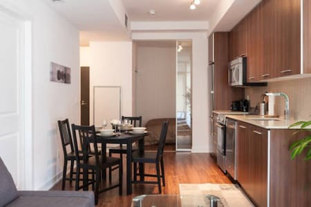 2Bed2Bath Condo Downtown w/Parking+Wifi - Lyxvåning