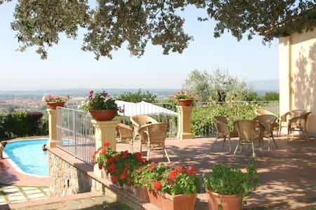 Nel cuore della Toscana a due passi dalle Terme - Monsummano Terme - Bed & Breakfast