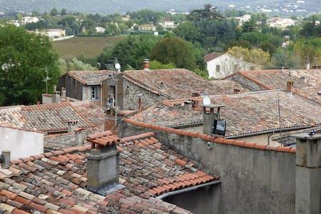 LAROQUE, 34190 Hérault