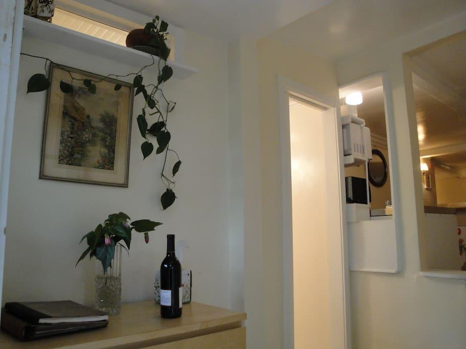 Foyer-- Silverlake Cottage
