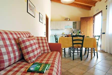 Italian holiday farmhouse, MAS 2 - Apartment