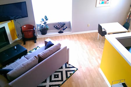 Quiet loft minutes from downtown - Indianapolis