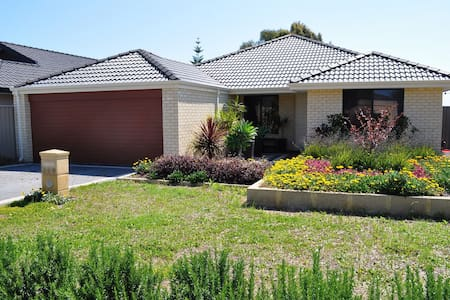 Family Home Parade - Canning Vale