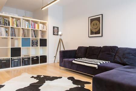 Perfect Location - Melbourne - Apartment