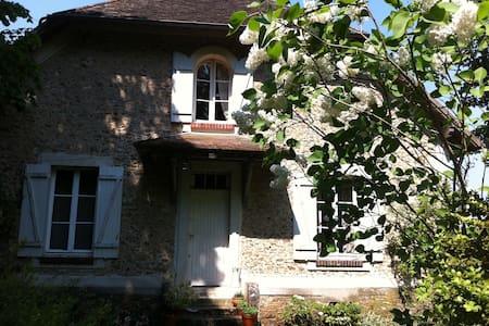 Maison ancienne a  30 Min de Paris  - House