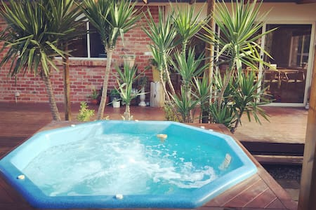 Hampton house with SPA for a cosy summer holiday! - Haus
