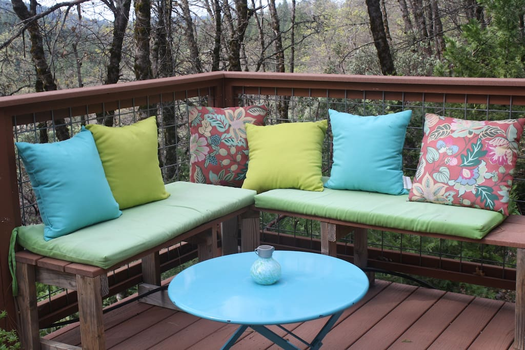Secluded sitting area on deck. Amazing views! Perfect for evening star gazing.