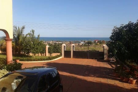Atlantic Ocean View Home Accra - Hus