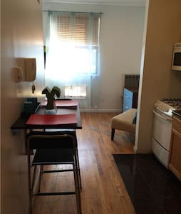 Great Fully furnished studio in a super convenient location.