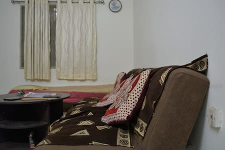 Cozy 1BHK with nice Public Garden - Ahmedabad - Apartment