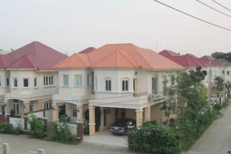 Kalamar Palace 3-bedroom house - House