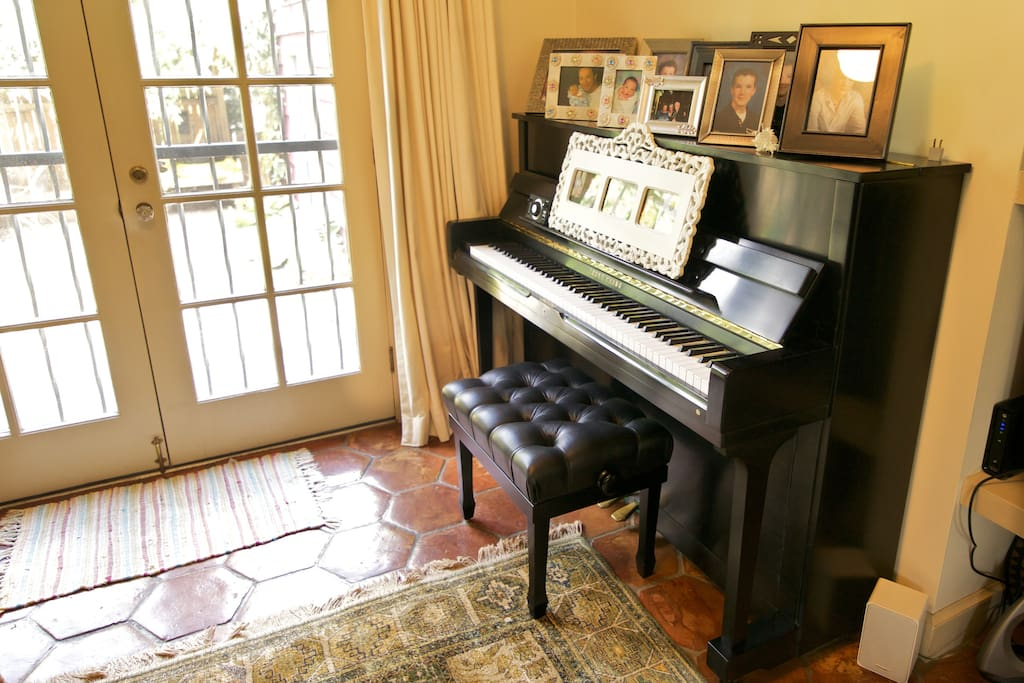 Music/TV room. The piano awaits your nimble fingers!