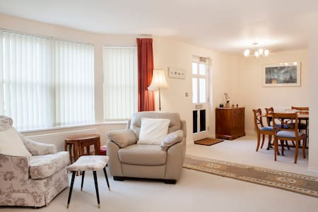 Dawlish G/F Seafront Apartment - Pis