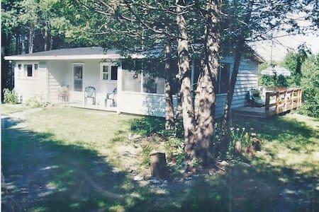 Cozy pine cottage/ski chalet - Stuga