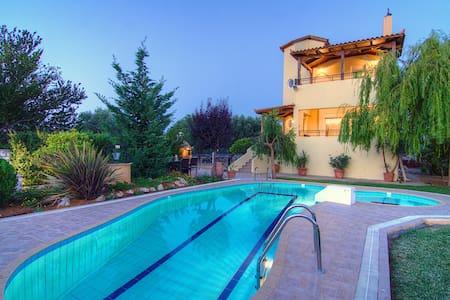 Villa Lambros, Away it From All - Villa