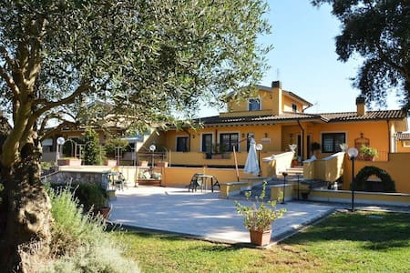 Villa Grande - Roma - Bed & Breakfast