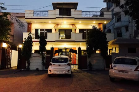 Longstays Hostel- Private Room for Travellers - new delhi