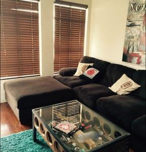 Foldout @  Stylish Share Studio APT @Warner Bros - Burbank - Apartment