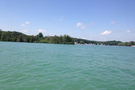 New Lakehouse R&R + Kayaking - Ház
