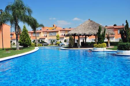 Casa c/alberca compartida (Morelos) - Maison