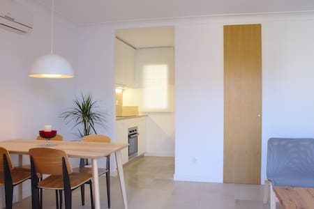 Very short walk to the beach apartment - Palma de Mallorca