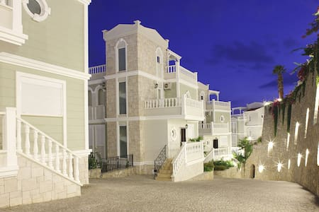 Villa of your Dreams with swimming pool near sea - Алания - Dom